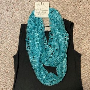 NWT Simply Noelle turquoise Infinity Scarf